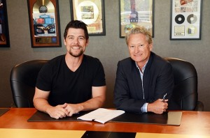 Jason Crabb and Terry Hemmings :: Jason Crabb signs with Provident Music Group's Reunion Records